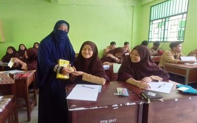 Pondok Darul Falah Lakukan Pembagian Vitamin Penambah Daya Tahan Tubuh kepada Seluruh Pelajar SMA