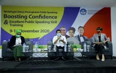 BIMBINGAN TEKNIS PENINGKATAN PUBLIC SPEAKING 2020 : MENINGKATKAN PERCAYA DIRI DALAM BERKOMUNIKASI